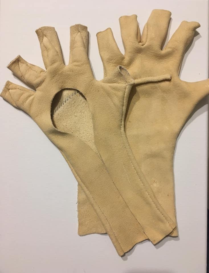 starożytne rękawice WORO Manwith Passiom Paweł Worobiej