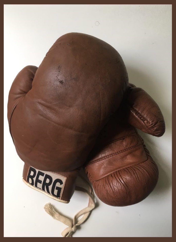 """Rękawice firmy """"BERG"""" z lat 50."""